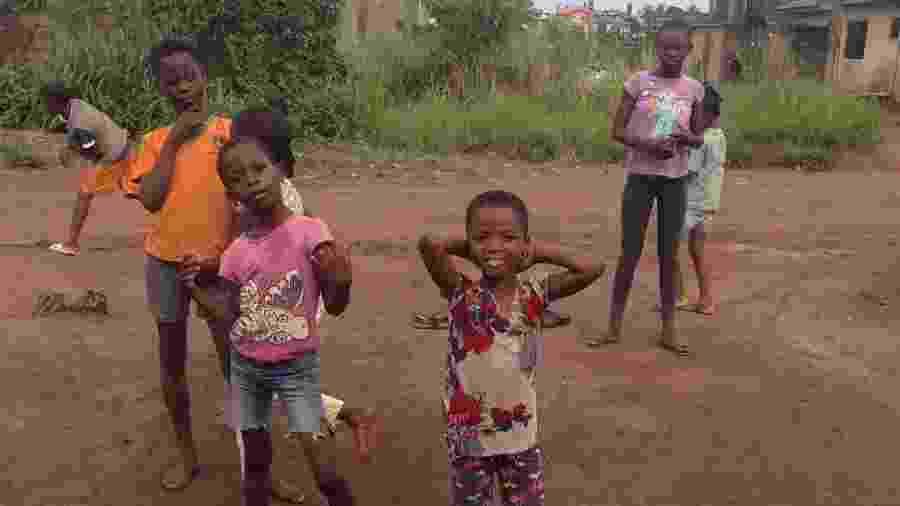 O grupo, que leva o nome de Ikorodu Talented Kids, é formado por crianças em situação de rua, que através da dança e da música voltaram para a escola - Reprodução @dreamcatchersda