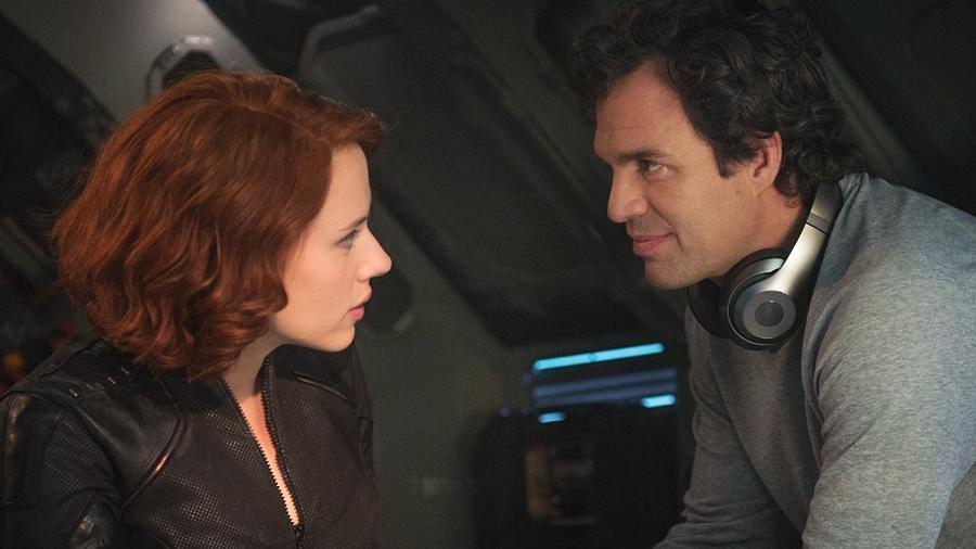 "Viúva Negra (Scarlett Johansson) e Bruce Banner (Mark Ruffalo) em ""Vingadores: Era do Ultron"" - Divulgação"