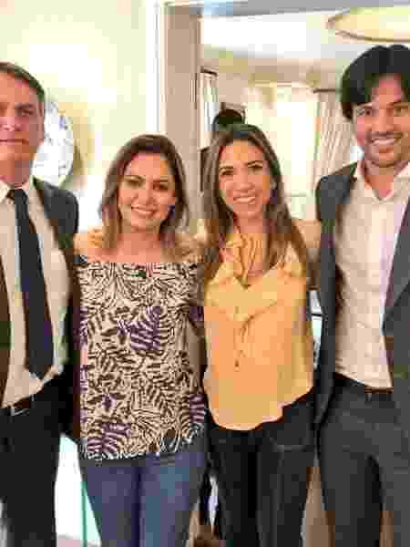 Jair Bolsonaro, sua mulher, Michelle, Patrícia Abravanel e o deputado federal Fabio Faria - Divulgação