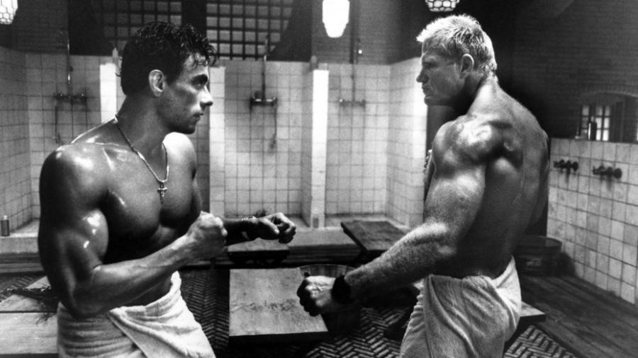 """Jean-Claude Van Damme enfrenta Stefanos Miltsakakis em cena de """"Risco Máximo"""" (1996) - Reprodução"""