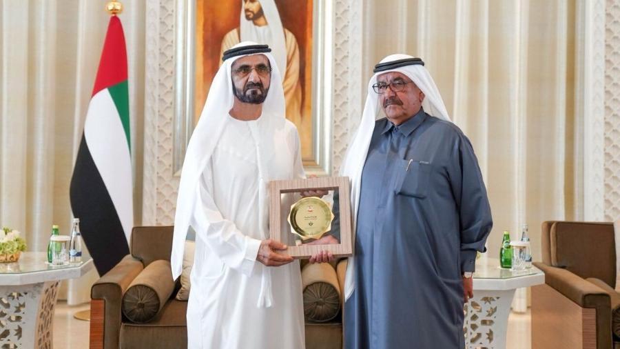 Sheik Mohammed e um dos premiados - Reprodução