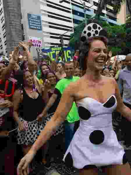 Paolla Oliveira é a rainha do bloco Cordão da Bola Preta, no Centro do Rio - Douglas Shineidr/UOL