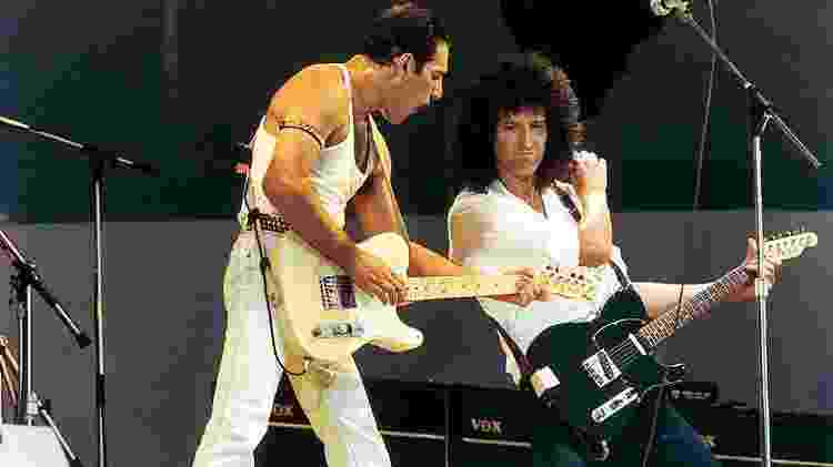 Freddie Mercury e Brian May durante o show do Live Aid, no estádio de Wembley, em 1985 - Peter Still/Getty Images
