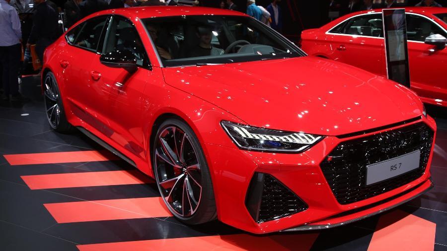 Audi RS 7 chama a atenção com a dianteira larga e baixa; carro une espaço para a família e alta performance - Newspress