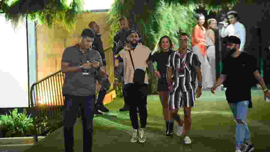 Gabigol e Bruna Griphao deixando o Rock in Rio - Leo Franco/AgNews