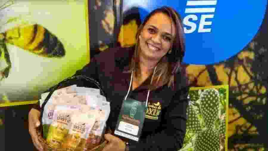 Maria Cristina da Silva trabalha com castanha de caju desde os 7 anos de idade; hoje, é presidente de uma cooperativa bem-sucedida - José Ramalho/Divulgação