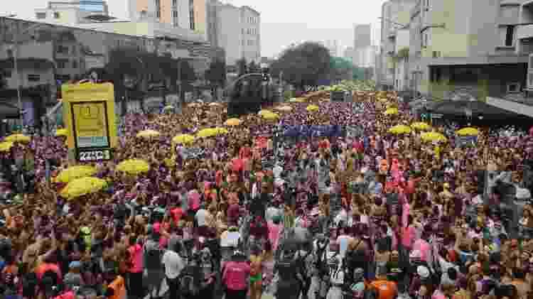"""Com o tema """"Viva a Resistência"""", Acadêmicos do Baixo Augusta atraiu centenas de foliões em SP no ano de 2020 - Nelson Antoine/UOL - Nelson Antoine/UOL"""