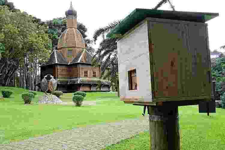 Jardim de Mel de Curitiba (PR), no Parque Tingui, com caixas de diferentes espécies de abelhas sem ferrão - Secretaria Municipal de Comunicação Social de Curitiba (PR) - Secretaria Municipal de Comunicação Social de Curitiba (PR)