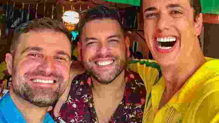 Alexandre Tirso, ao meio, com os dois melhores amigos - Arquivo pessoal - Arquivo pessoal