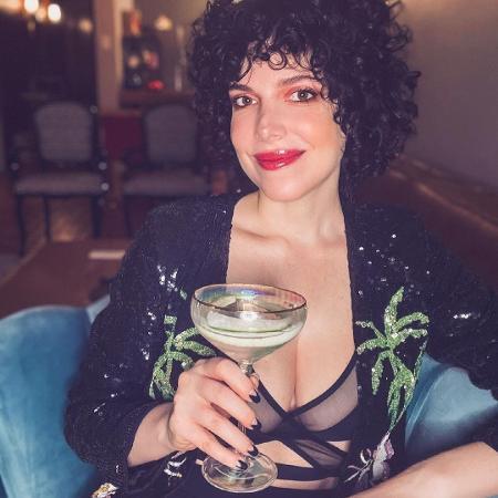 Natalia Klein é autora da série Maldivas, da Netflix - Reprodução/Instagram