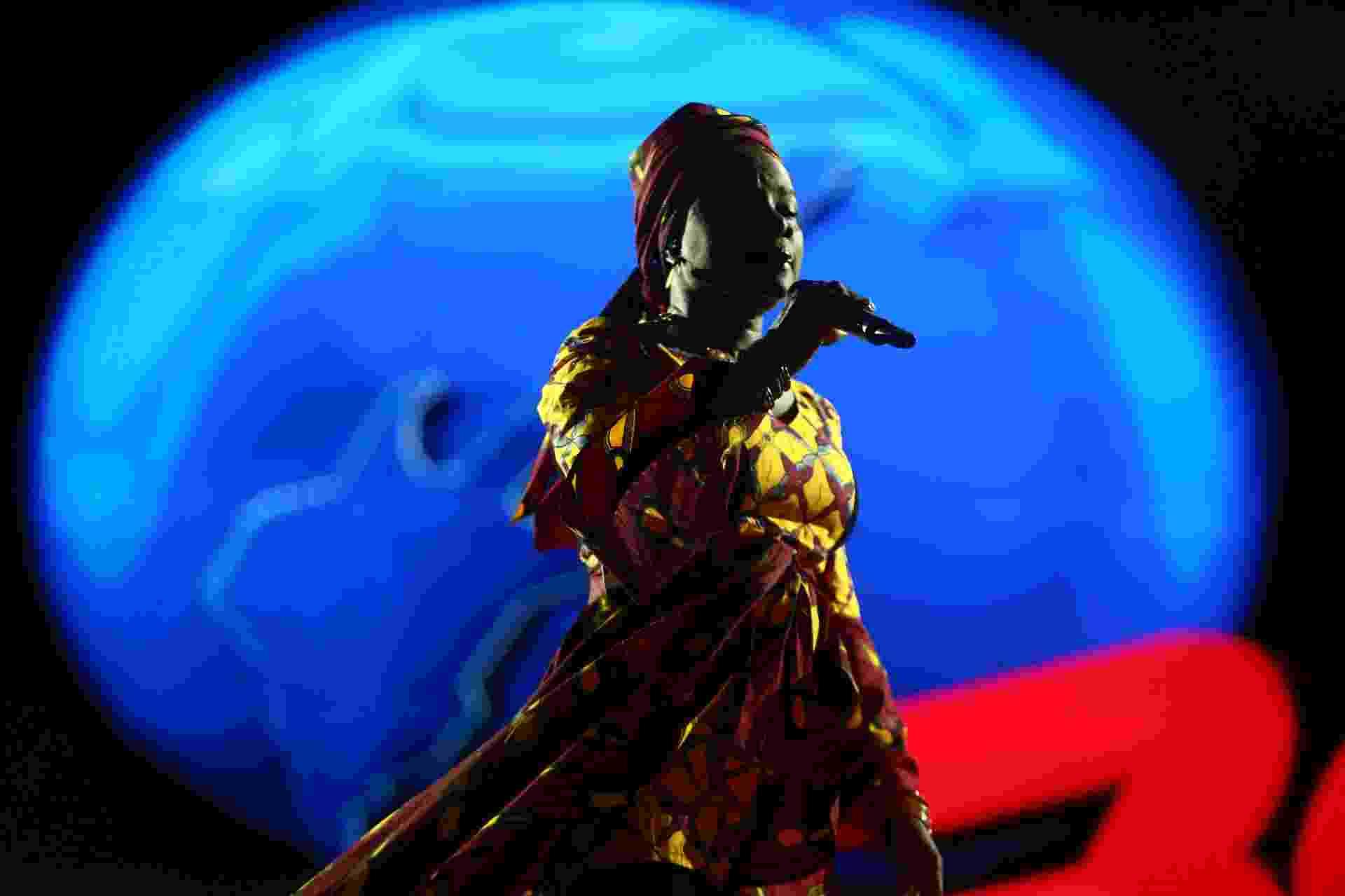 26.set.2016 - A cantora africana Angelique Kidjo no palco Sunset, durante o sexto dia do festival Rock in Rio 2015 - Wilton Junior/Agência Estado