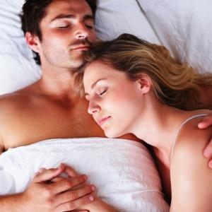 O esperma dos homens que dormiam pelados eram 25% menos danificados - Getty Images