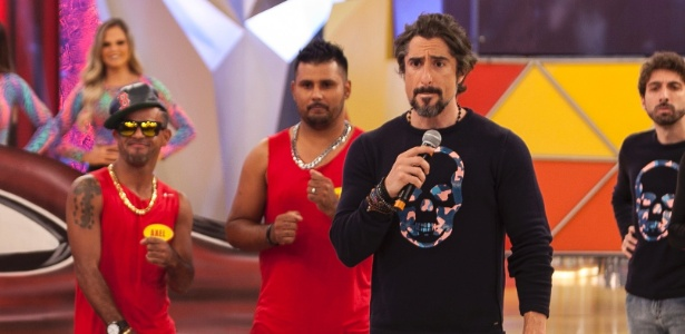 """Marcos Mion no comando do """"Canjica Show"""", do programa """"Legendários"""", na Record - Edu Moraes/Rede Record"""