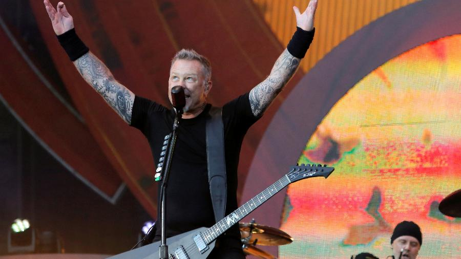 24.set.2016 - James Hetfield, vocalista do Metallica, se apresenta no Global Citizen Festival no Central Park - Andrew Kelly/Reuters