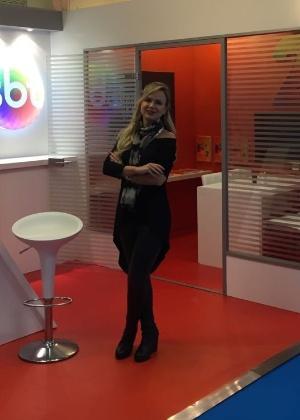 Eliana esteve  no estande do SBT na Mipcom, em Cannes, na França - Divulgação
