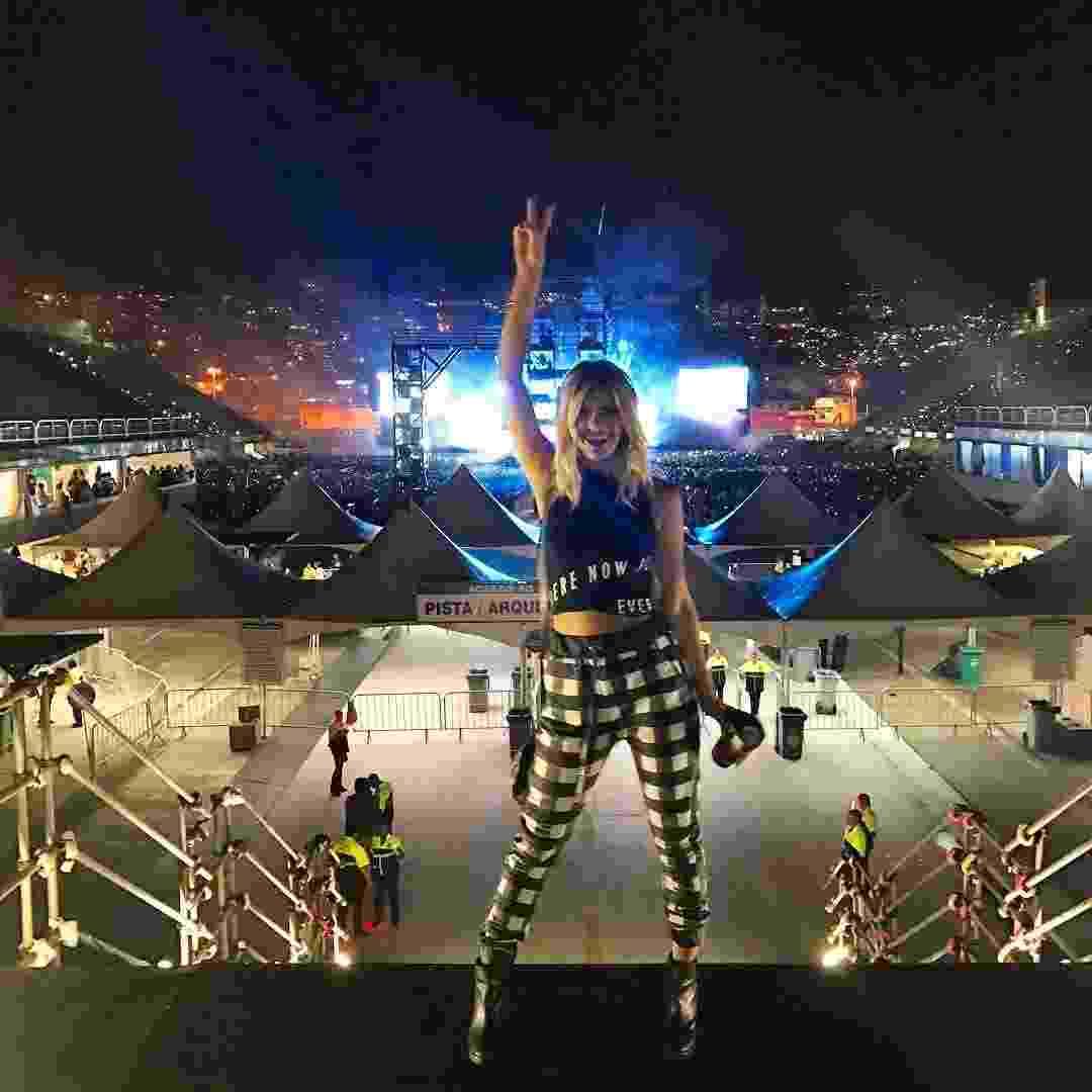 Antes de curtir a festa de Bieber, Marina Pumar postou uma foto curtindo o show na Praça da Apoteose - Reprodução/Instagram/marinapumar