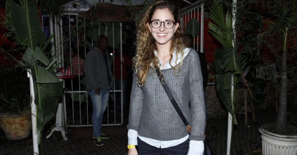 """Carol Duarte, a Ivana, curte festa junina com os colega do elenco de """"A Força do Querer"""""""