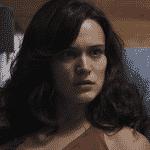Clara apanha de novo, é levada a hospital e pede ajuda para denunciar Gael - Reprodução/TV Globo
