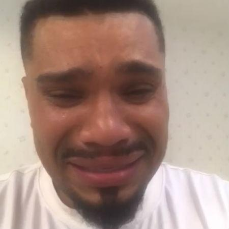 Naldo chorandoem vídeo de desculpas - Reprodução
