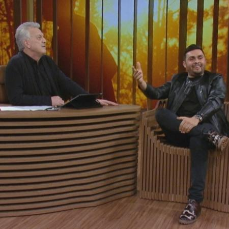"""Cantor Mano Walter no """"Conversa com Bial"""" - Divulgação/Rede Globo"""