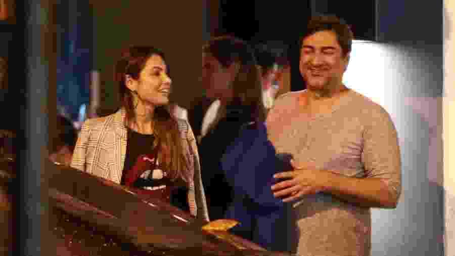 """Patrícia Poeta e Zeca Camargo, do programa """"É de Casa"""", passeiam juntos no Leblon - Thiago Martins/AgNews"""