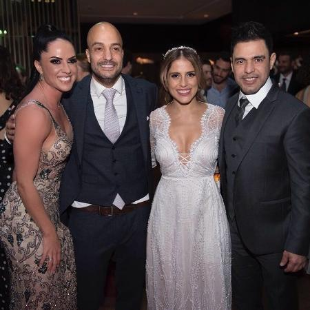 Graciele Lacerda posa ao lado de Leonardo Lessa, Camilla Camargo e Zezé Di Camargo - Reprodução/Instagram