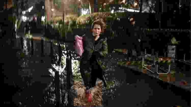 12.nov.2019 - A população foi pega de surpresa pela inundação: o nível da água chegou a 187 centímetros durante a madrugada - Marco Bertorello/AFP
