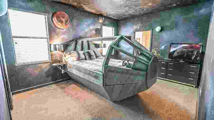 """Um dos quartos da hospedagem insipirada em """"Star Wars"""" - Reprodução"""