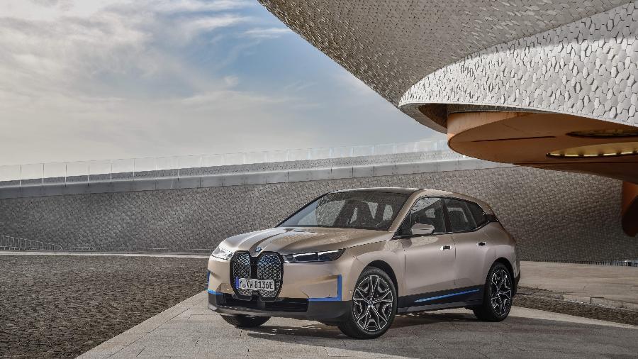BMW iX chega no fim deste ano - Divulgação