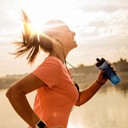 Recomendação inclui diminuir tempo sentado e aumentar exercícios de intensidade moderada e vigorosa - Getty Images