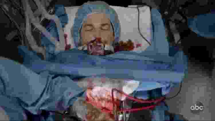 O momento da morte de DeLuca em 'Grey's Anatomy' - Reprodução/Twitter - Reprodução/Twitter