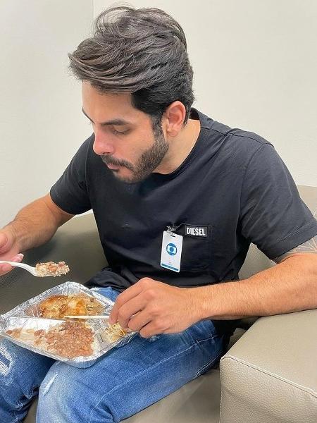 """Eliminado desta semana do """"BBB 21"""", Rodolffo comeu uma marmita nos bastidores do """"Domingão do Faustão"""" - Reprodução/Instagram"""