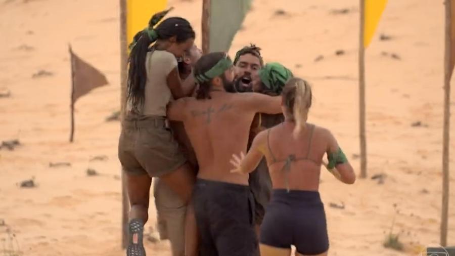 No Limite: Tribo calango comemora vitória na prova do privilégio do quinto episódio - Reprodução/Rede Globo