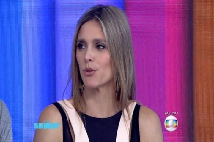"""Fernanda Lima participa do """"Vídeo Show"""" e fala sobre seus figurinos ousados"""