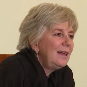 A tradutora italiana Anita Raja é apontada como a verdadeira identidade da escritora Elena Ferrante - Reprodução/Il Sole 24 Ore