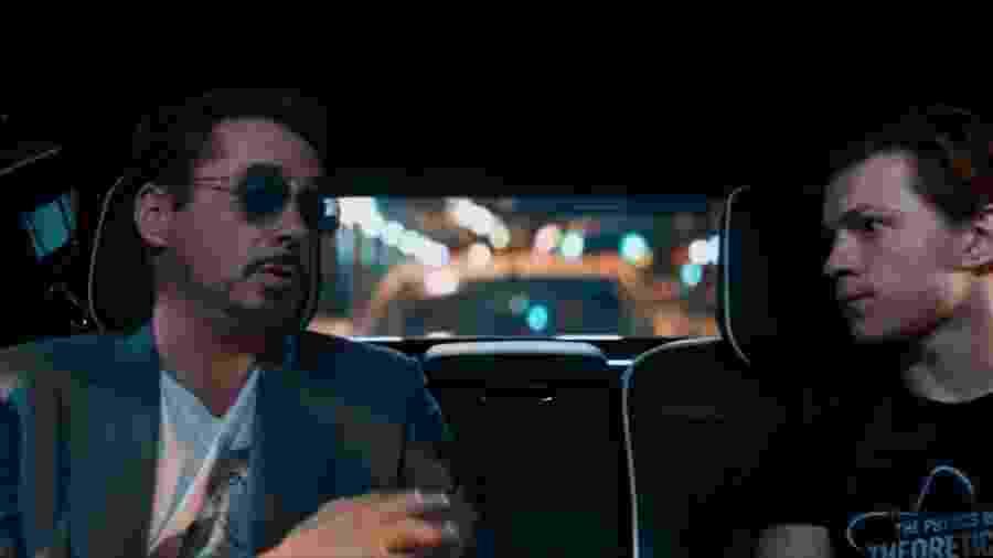 """Tony Stark ao lado de Peter Parker em cena de """"Homem-Aranha: De Volta ao Lar"""" - Reprodução /YouTube /Sony"""