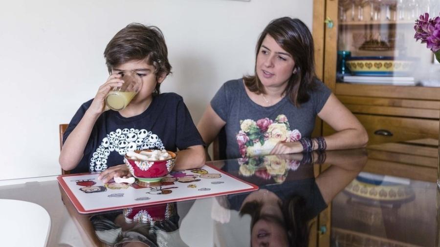 Helena Colonelli narra episódio de pânico por causa da alergia de João Pedro, de sete anos - Gui Christ/BBC Brasil