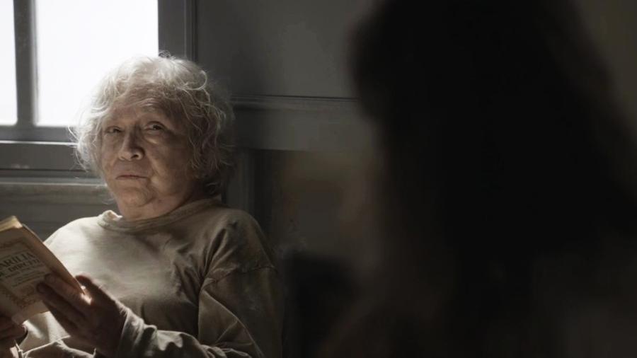 """Beatriz revela seu segredo para Clara em """"O Outro Lado do Paraíso"""" - Reprodução/Gshow"""