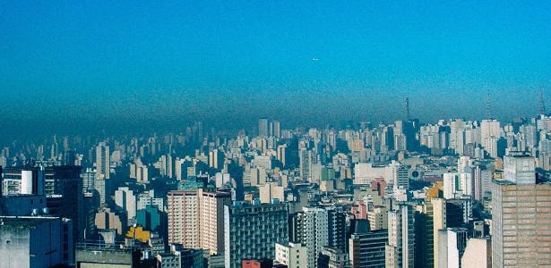 Compostos derivados de petróleo emitem gases que poluem o ar em grandes cidades