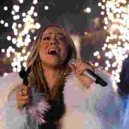 Mariah Carey canta no Réveillon de 2018 em Nova York - AFP