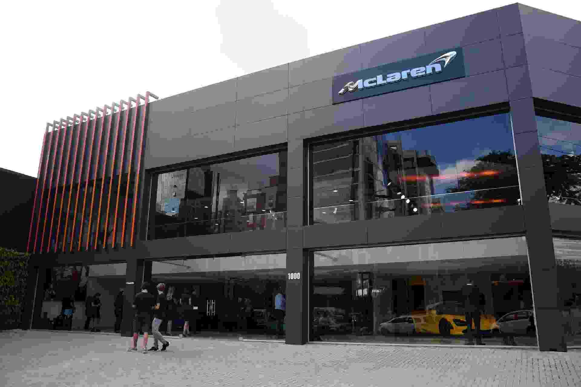 Loja McLaren em São Paulo, SP - Murilo Góes/UOL