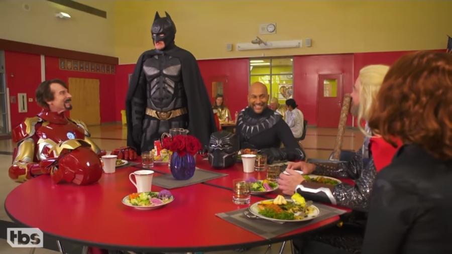 """Batman encontra Marvel em paródia do programa """"Conan"""" - Reprodução/YouTube"""