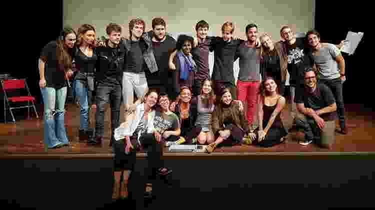 """O elenco de """"Viva a Diferença"""" se reencontra no teatro - Reprodução/Facebook - Reprodução/Facebook"""