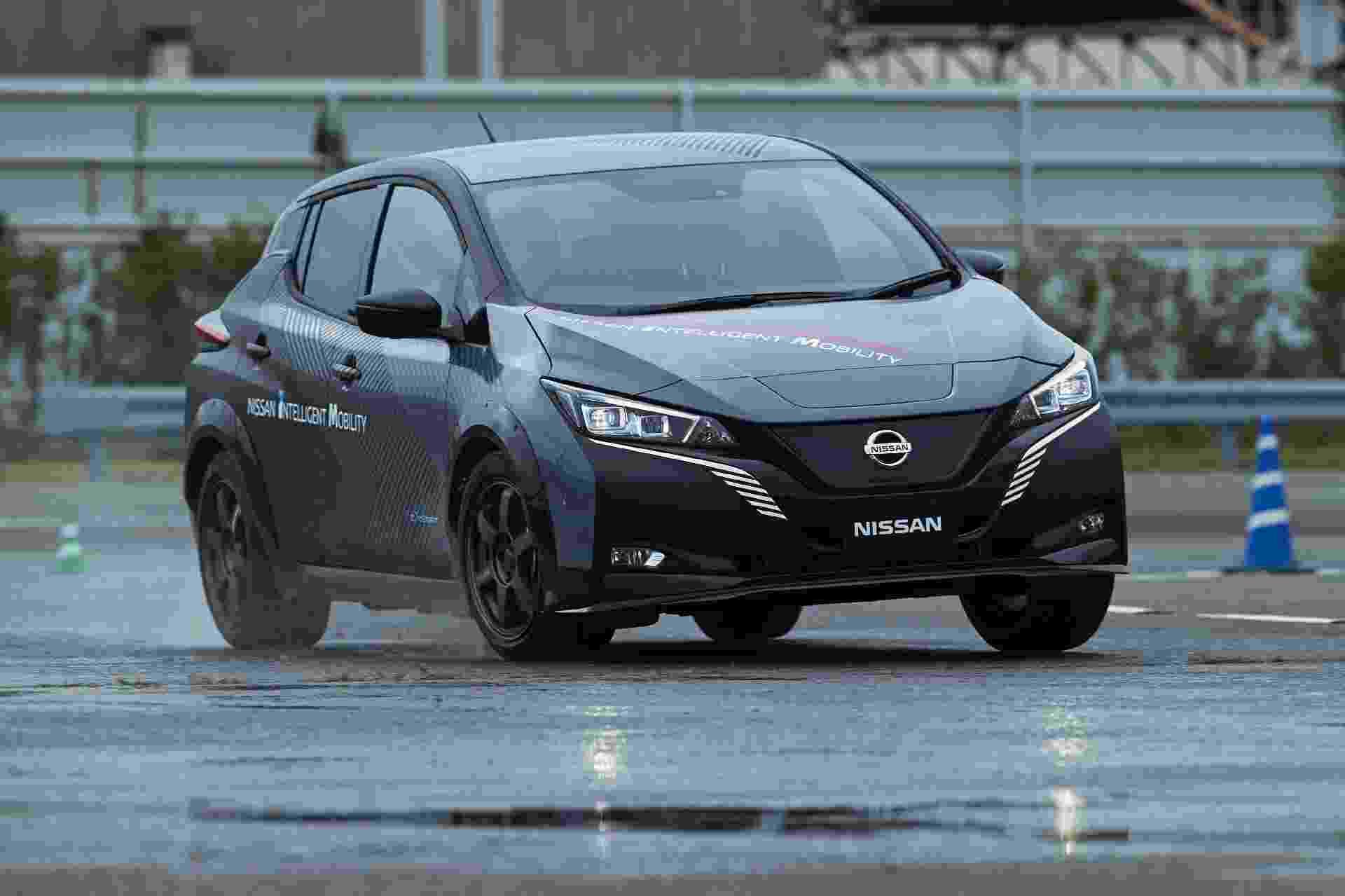 Protótipo de novo carro elétrico foi apresentado pela Nissan durante visita às instalações da montadora em Oppama, nos arredores de Tóquio - Divulgação