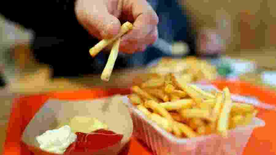 Diante deles, não há dúvidas: são alimentos difíceis de resistir. Mas como classificar os alimentos hiperpalatáveis com maior exatidão? - Getty Images
