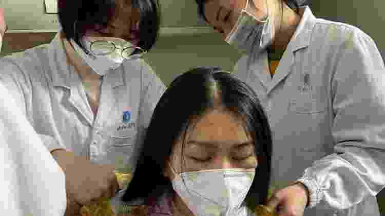 Enfermeiras em Wuhan, cidade na China que registrou os primeiros casos da doença - Reprodução/Instagram/@sophfei