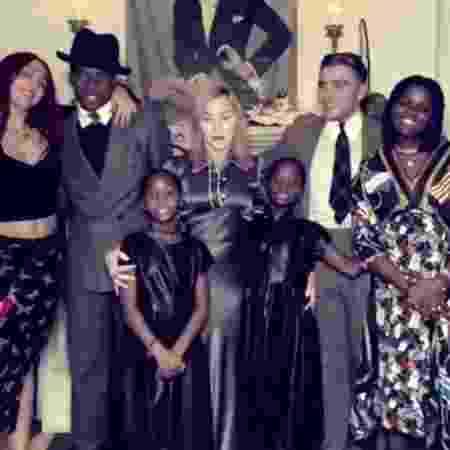 Madonna posta foto rara com os seis filhos - Reprodução/Instagram