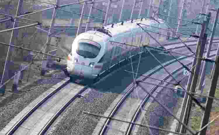 Trem saindo de Hanover, na Alemanha - Julian Stratenschulte/picture alliance via Getty Images - Julian Stratenschulte/picture alliance via Getty Images