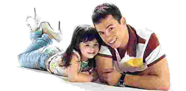 Rafael recriou o ensaio que fez com a mulher junto da filha, Raisa - Reprodução/Facebook - Reprodução/Facebook
