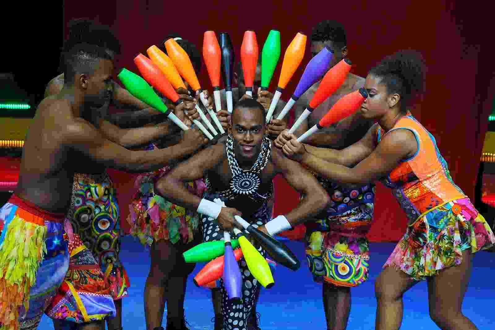"""Companhia circense do AfroReggae, Afro Circo apresenta espetáculo """"Gênesis, o Mix da Criação"""" no Rio - Guga Melgar"""